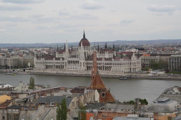 Las vistas del Parlamento desde el Bastion de los Pescadores