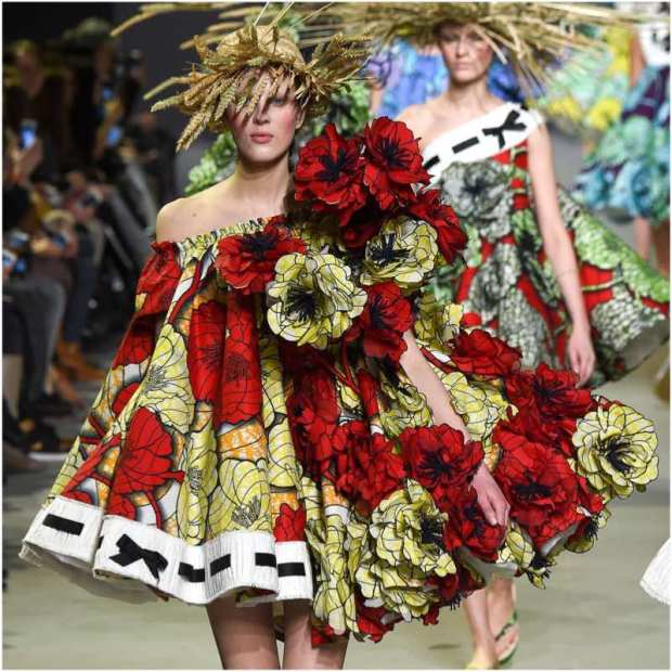 borninfashion-viktor-rolf-paris-fashion-week-haute-couture-spring-summer-2015-flower-power-all-rights-reserved