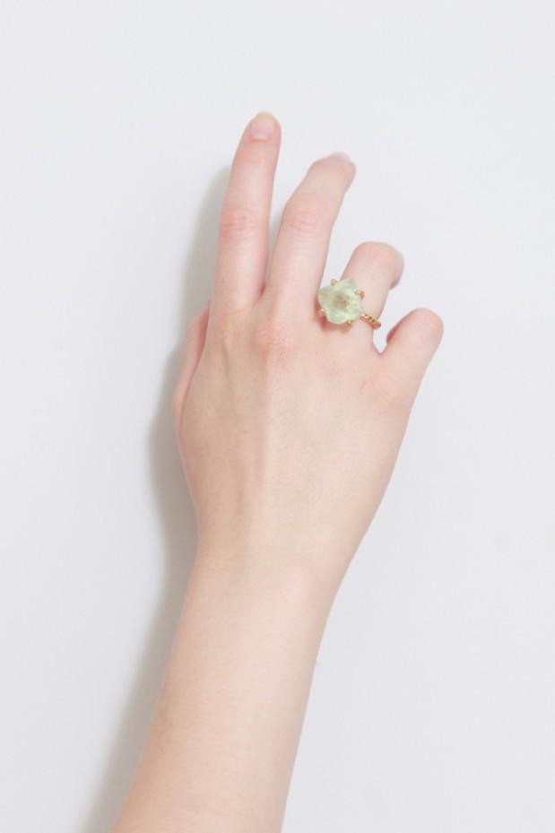 anillo-fluorita mano